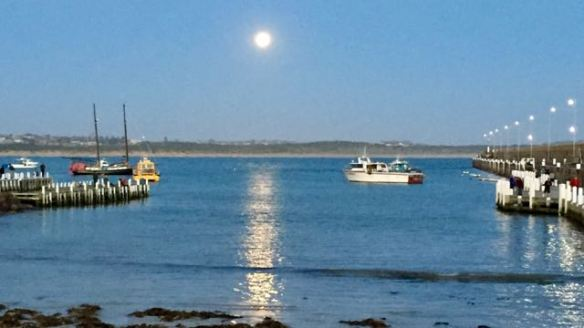 Moon rise at Warrnambool